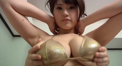 富士見響子ちゃんの爆乳おっぱいモミモミマッサージ!