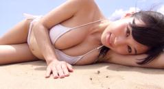Gカップ巨乳の高崎聖子ちゃんと一緒に海に行ったら素晴らしいぐらいにおっぱい揺れてた(妄想) 白いビキニが眩しいッス!