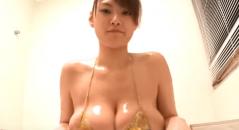 Iカップ爆乳の富士見響子ちゃんのデビュー作にして最高にエロい「フジキョンちゃん」がYoutubeにアップロードされてます。 削除される可能性があるのでお早めに御覧ください!後半のローション風呂が最高です!