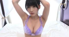 Gカップ巨乳の神谷えりなちゃんが綺麗な顔立ちで艶っぽく紫の下着で谷間アピールしてます。 綺麗で可愛くて巨乳とは最強ではないですか!!!
